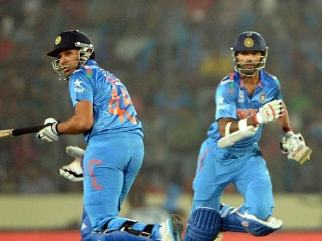 The opening partnership failed once again as both Rohit Sharma and Shikhar Dhawan were dismissed cheaply.