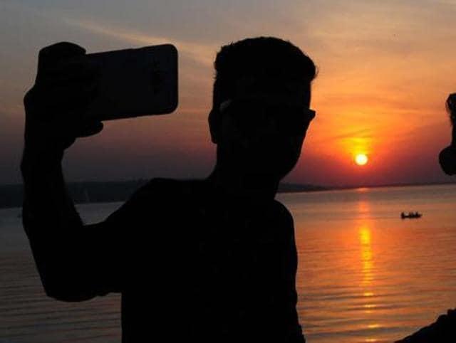 Selfie injury,Goa's Anjuna village,Goa Police