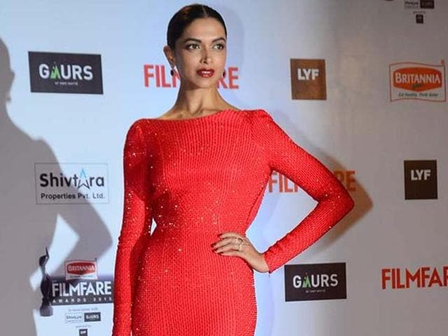 Red carpet fashion,Red carpet trends,sequin
