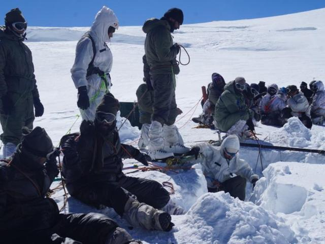 Siachen porters slam govt for meagre compensation