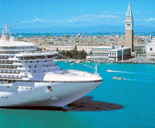 The shipping ministry is planning to let cruise ships organise weddings on board.
