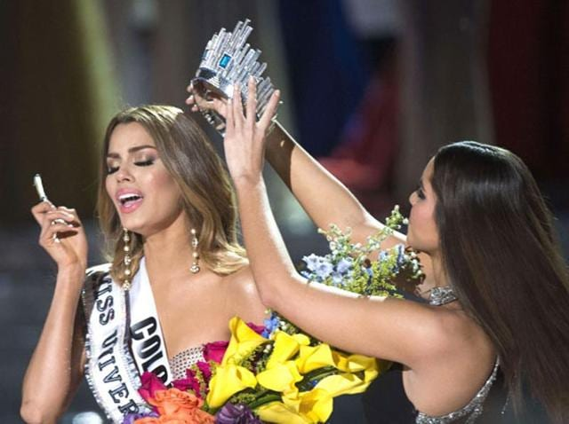 2014's Miss Universe taking the crown off Miss Columbia, Ariadna Gutierrez's head after she was mistakenly declared winner of the beauty pageant.
