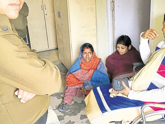 Two women of the con gang were arrested after a 55-year-old businessman, one of their victims, saw them in Sushant Lok on February 16 and informed the police.