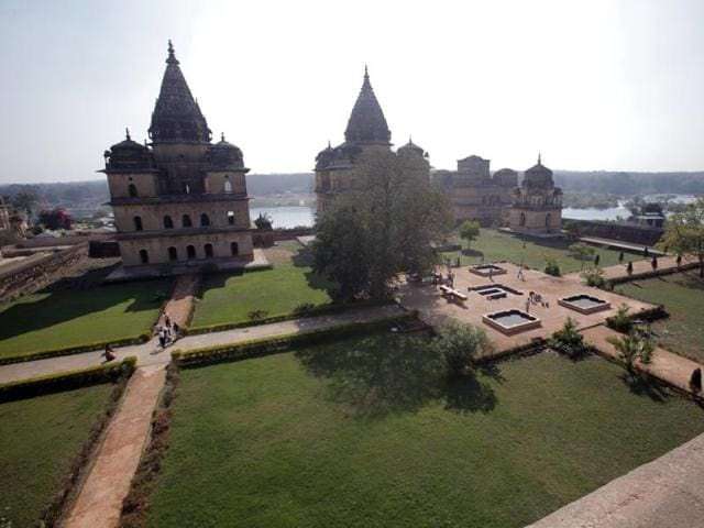 Besides online trade, plans are afoot to turn the less frequented 'chhatri' or memorials to the rulers of Orchha, grouped along the Kanchana ghat of the river Betwa, into a tourist spot.
