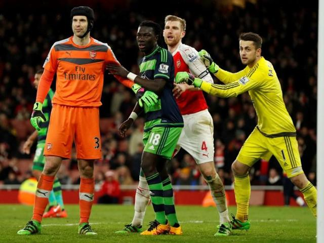Arsenal's Petr Cech picked up the injury during Wednesday's Premier League defeat by Swansea City.