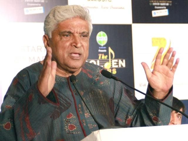 "Lyricist Javed Akhtar said that there was an urgent need to maintain a balance between English and native languages. He further added that ""children should be bilingual"" as they become smarter."