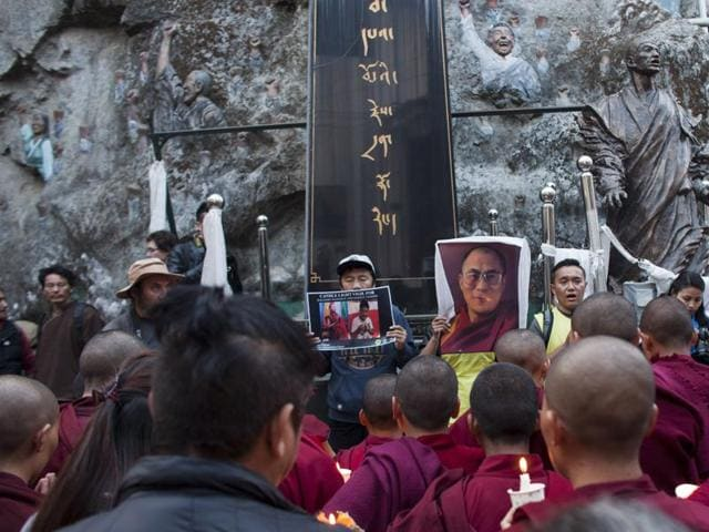 Tibetan teen in India immolates self,Chinese rule in Tibet,Tibet freedom movement