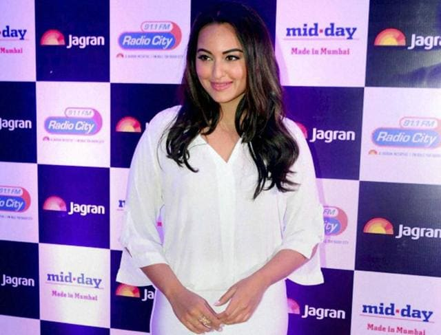 Sonakshi Sinha will attempt to achieve a Guinness World Record on March 8, International Women's Day.