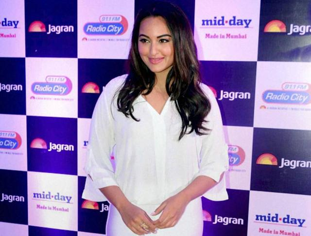 Sonakshi Sinha aims for Guinness World Record