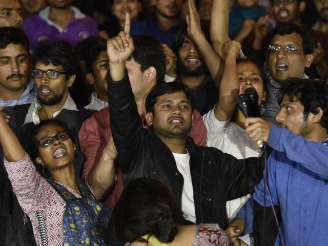 Kanhaiya Kumar addresses JNU students after his release, in New Delhi, India, on Thursday, March 03, 2016.(Virendra Singh Gosain/ HT Photo)