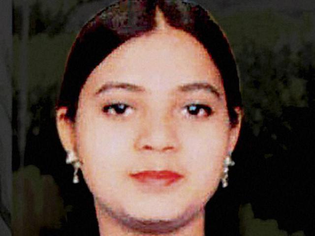 I should've written 'dictated by minister' on Ishrat affidavit: Pillai