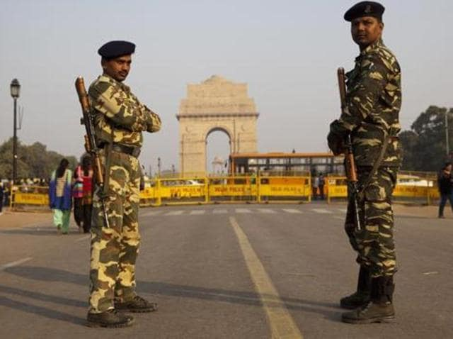 The government rushed National Security Guard (NSG) commandos to Gujarat and cancelled a cultural festival at the Somnath Temple where millions of pilgrims were to show up following intelligence reports claiming militants sneaked into the state from Pakistan.