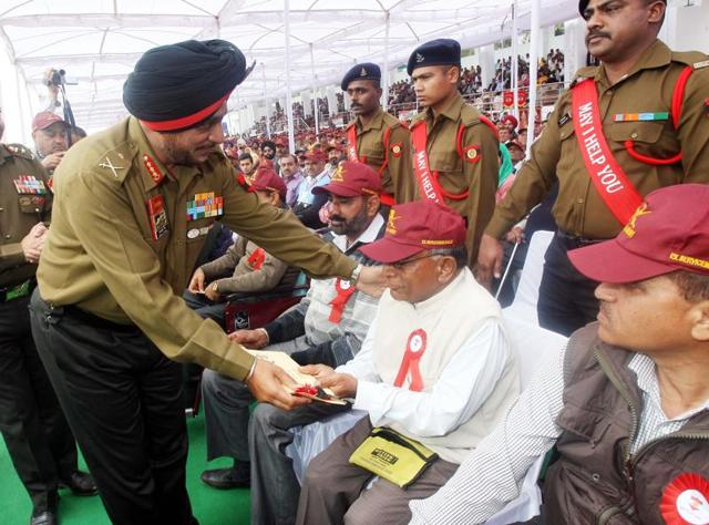 Organised by Pathankot Sub Area under the Rising Star Corps, the rally was aimed to hear the problems of the veterans and the veer naris.