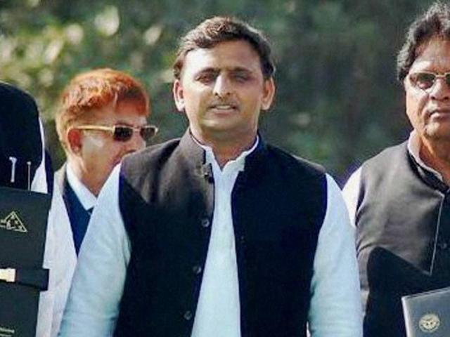 Despite report, opposition blames SP govt for Muzaffarnagar riots
