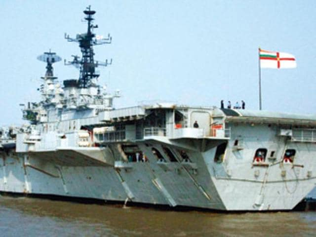INS Viraat,INS Viraat sailor dies after fire,Goa