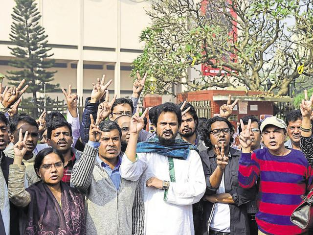 Members of Blogger and Online Activist Network protest against the killing of US blogger of Bangladeshi origin, Avijit Roy --  who was hacked to death by unidentified assailants, in Dhaka on February 27, 2015