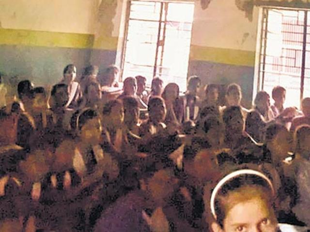 Delhi govt asks schools to display report card 'prominently'