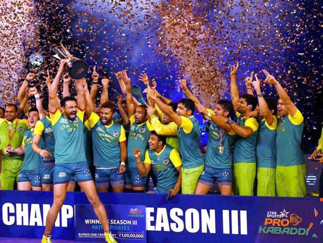 Players of Patna Pirates celebrate after winning the final of Pro Kabaddi League Season 3, beating U Mumba in the final in New Delhi on March 6, 2016.