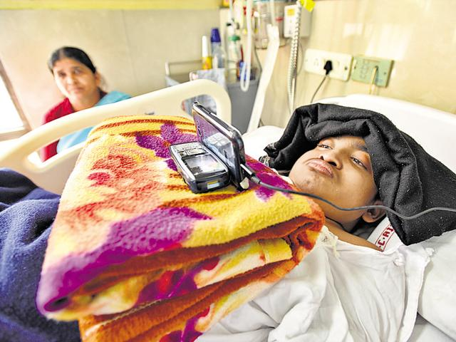Doctors say Mohammed Javed's spinal cord is damaged beyond repair, paralysing him from the neck down.