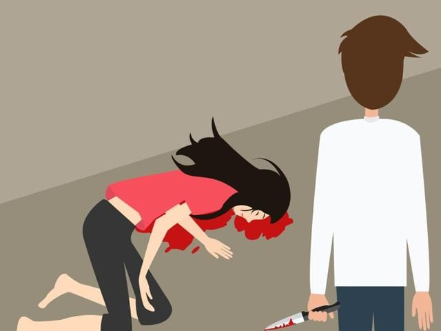 A 32-year-old HDFC manager killed his girlfriend by repeatedly smashing her head against a footpath after she threatened to reveal the affair to his wife.