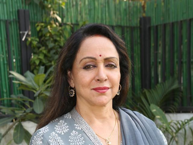 Actor Hema Malini talks about controversies that have surrounded her recently.