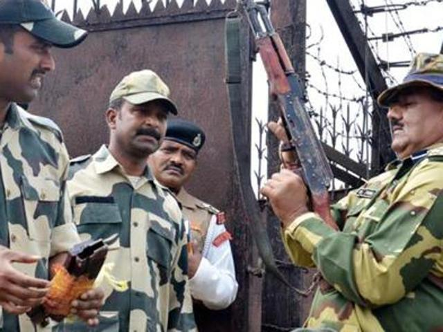 BSF recovers 1-kg heroin, 3 Pak SM cards