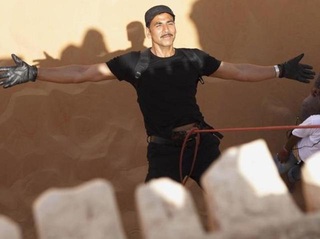 Akshay Kumar's wish comes true: Stuntmen to be honoured at awards show
