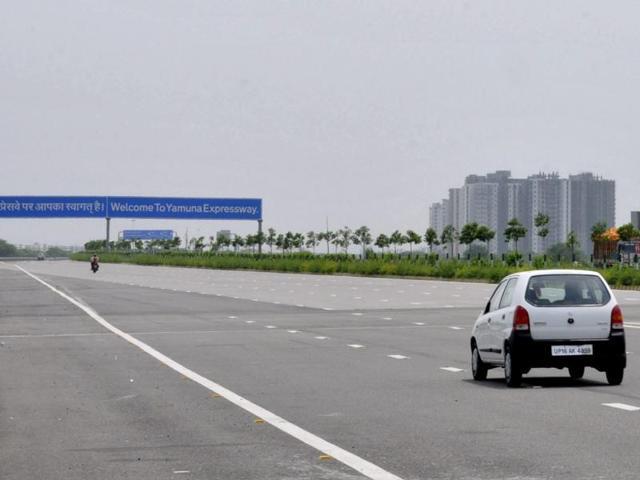 No toll hike on Yamuna expressway this year