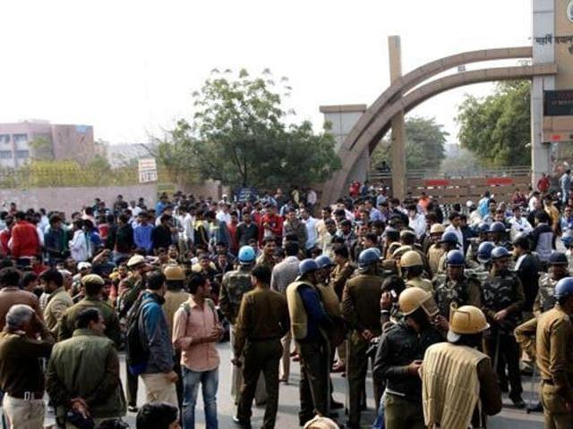 Jat quota row,Haryana government,DCs tranferred