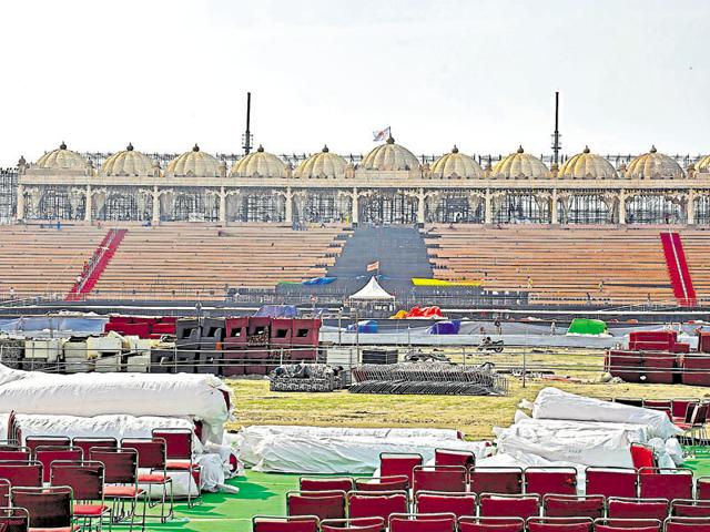 Massive construction is underway on the Yamuna bank along the DND for a World Cultural Festival by Art of Living scheduled for early March in New Delhi.