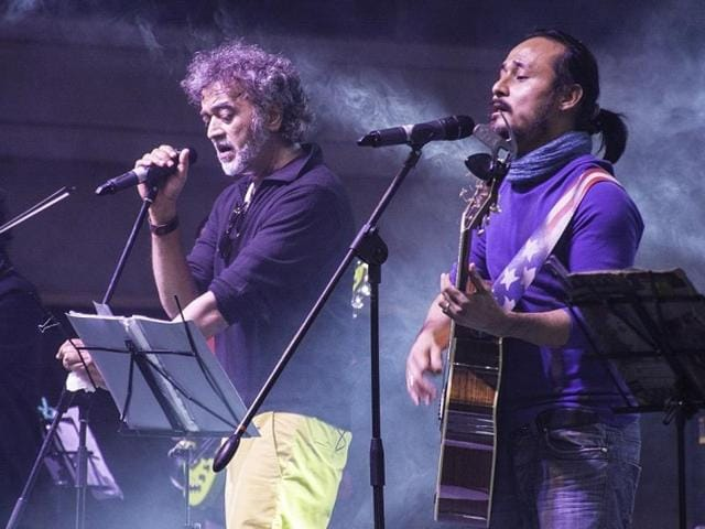 Lucky Ali at a performance at Phoenix Marketcity