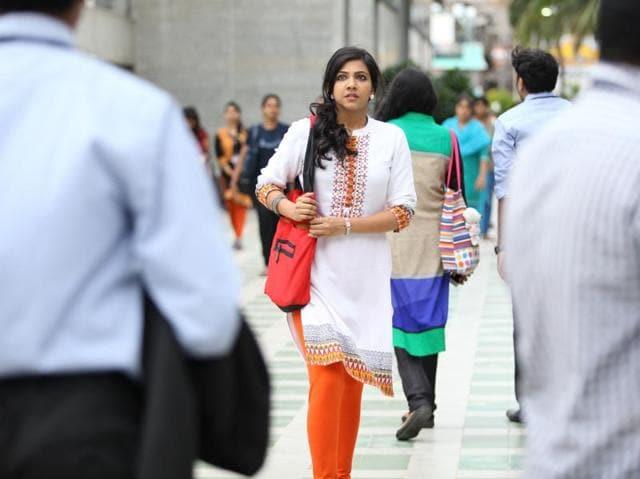Kadhalum Kadanthu Pogum review,Vijay Sethupathi,Madonna Sebastian