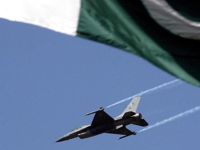US lawmakers on Thursday refused to block the sale of F-16s to Pakistan, but said they remained resolved to deny funding for it, citing Islamabad's sketchy counter-terrorism record.