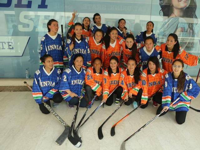 Players of the Indian women's ice hockey team.