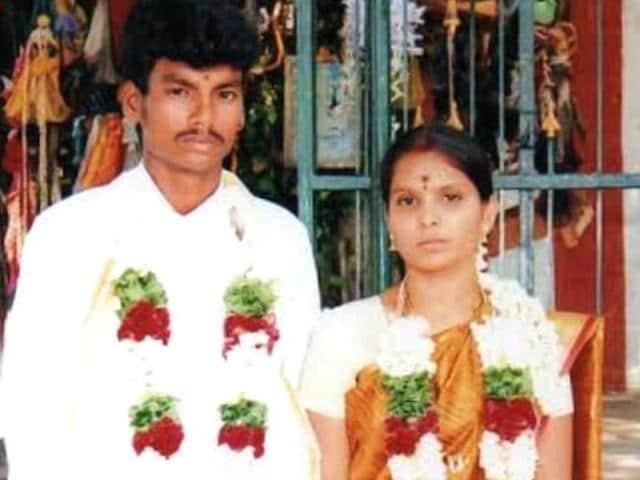 Honour killing in Tamil Nadu,Dalit youth hacked to death in Tirupur,Tamil Nadu