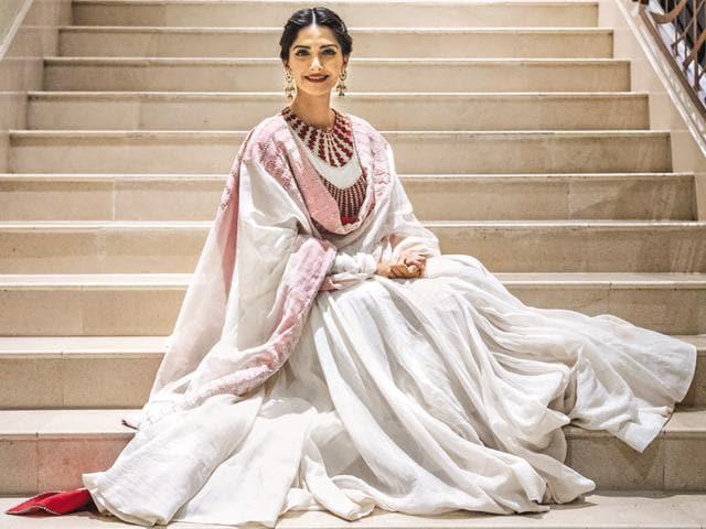 Bollywood,Neerja,Sonam Kapoor