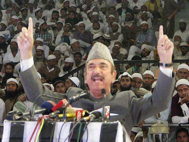 Ghulam Nabi Azad compares RSS with Islamic State