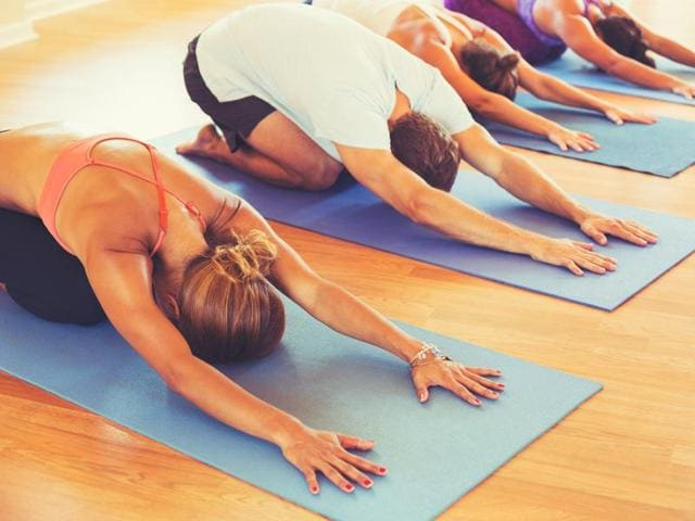 Deep breathing balances the parasympathetic and sympathetic nervous system, leading to less variation in heart rate, according to a new research.