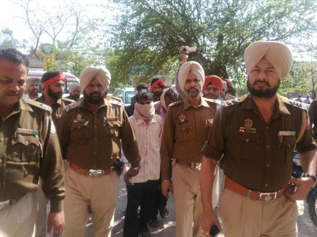 The incident took place when the accused, Prem Singh, Shamsher Singh and Raju were being taken to the court of judicial magistrate Ashok Chauhan.