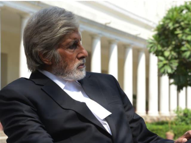 Amitabh Bachchan shoots for Shoojit Sircar's production Pink in Delhi.