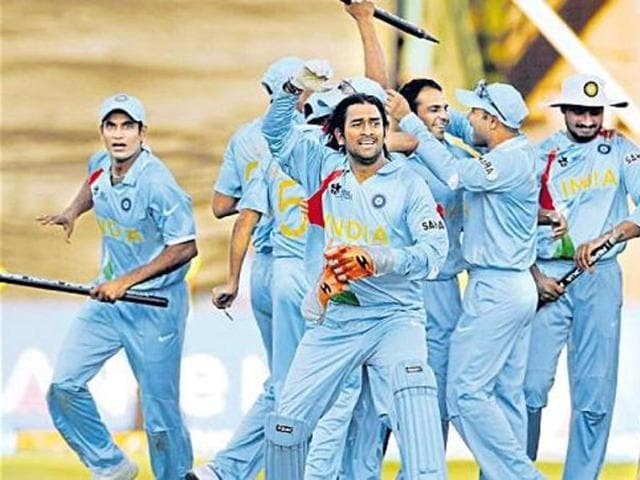 MS Dhoni and his men celebrating after India's win in the inaugural World T20 in 2007.