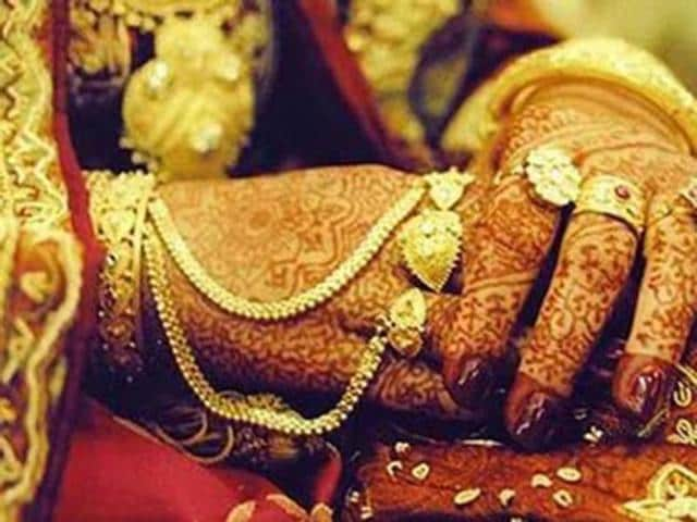 A bride called off her marriage in Uttar Pradesh's Mathura district after the allegedly drunk groom accused his prospective in-laws of changing the girl ahead of the wedding.