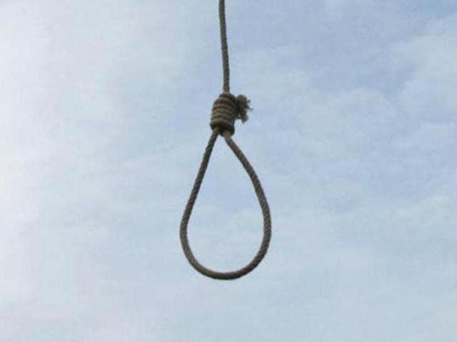 Woman commits suicide,Madhya Pradesh,Dalit man