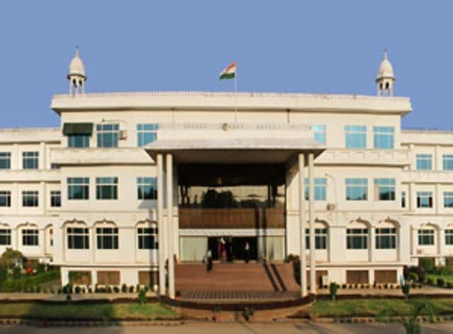 The beating up of Kashmiri students led to clashes in Rajasthan's Mewar University.