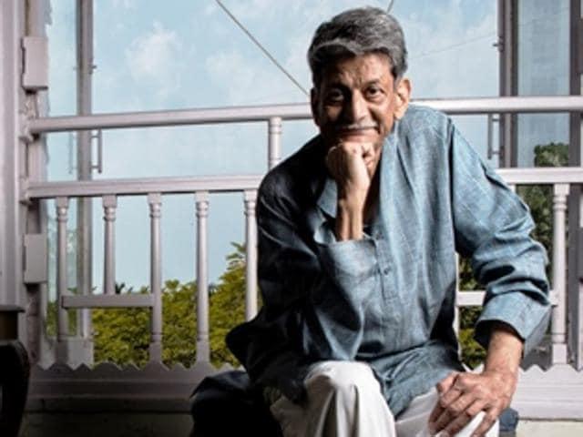 Playwright and author Kiran Nagarkar at his Breach Candy residence.(Photo: Aalok Soni/HT)