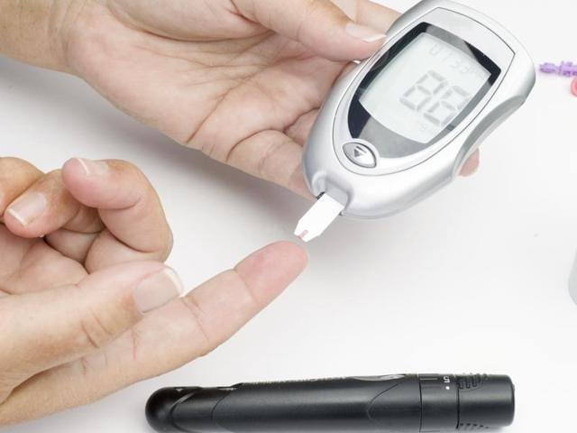 Tests of this painless patch in animal models of Type-1 diabetes demonstrated that it could quickly respond to skyrocketing blood sugar levels and significantly lower them for 10 hours at a time.