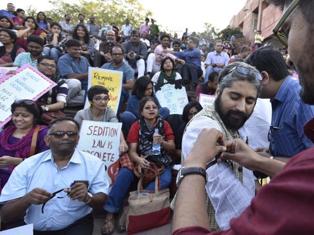 JNU teachers protest against arrest of JNUSU leaders at the university campus.