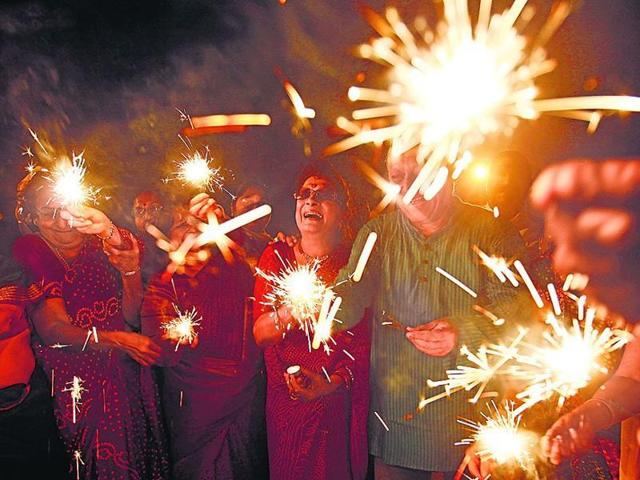 Festivals such as Holi and Diwali were official holidays in Pakistan after the country's independence but they were subsequently made optional.