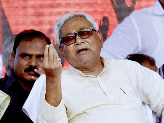 Bihar chief minister and JD(U) leader Nitish Kumar  is eyeing a possible Grand Alliance for the 2017 Uttar Pradesh polls.