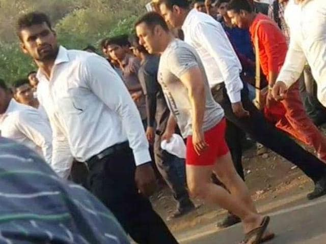 Salman Khan on the sets of Sultan. (Twitter)